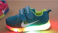 Wholesale fashion New LED lighted kids sneakers Lovely Cool high quality children shoes comfortable baby boys girls shoes