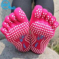 Wholesale 5 Toe stocking Fashion Deodorant Breathable Cotton Non slip Comfortable Foot Massage knitted socks Yoga Socks best gift D621L
