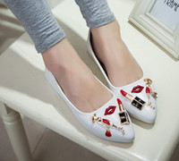 Wholesale Whole Sale New Woman Casual Shoes Golden Sexy Red Lip Red Mouth Lipstick Flat Shoes Pointed Shoes for party Christmas Gift