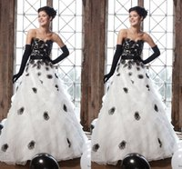 Wholesale Elegant Black And White Wedding Dresses Sleeveless Strapless Collection A Line Appliqued Wedding Dresses Floor Length Bridal Gown Fay7