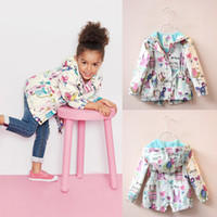 american outerwear - 2016 New Spring Cute Baby Girls Clothes Coat Print Cartoon Graffiti Hooded Zipper Kids Girl Jacket Full Sleeve Toddler Girl Outerwear