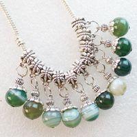 Al por mayor de la plata de Tíbet tallado intrigante único de la manera brazalete de cuentas de ágata verde Onyx pendiente redondo y accesorios collar