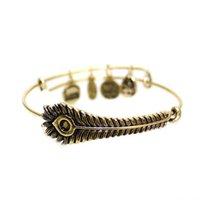 achat en gros de bracelets de paons-Vnistar les plus populaires alex et ani bracelets bracelets en conception de fil extensible avec des charms plumes de paon en gros
