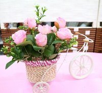 Wholesale Beauty Rattan Tricycle Bike Flower Basket Vase Storage Lovely Iron Floats for Wedding Decoration