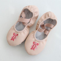 Wholesale Children dance shoes dance practice shoes soft soled ballet dance shoes soft bottom color PU bow embroidery A001
