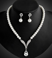 Wholesale Bridesmaid Jewelry Set for Wedding Crystal Rhinestone Tear Drop Shaped Fashion Jewelry Pearl Necklace pendants Earring Party Jewelry Sets
