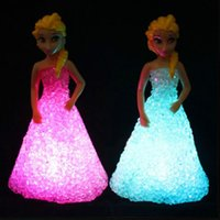 al por mayor luz de la noche del gradiente-Nuevos juguetes para niños Elsa / Anna LED luces coloridas gradiente de luz de la noche de cristal llevó la lámpara con juguetes de Navidad de juguete de la batería de regalo