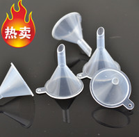 Wholesale 100pcs Plastic Mini Small Funnels For Perfume Liquid Essential oil filling empty bottle Packing Tool for