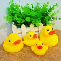 Wholesale 4 Size Lovely Yellow Duck Baby Bathing Toys Magic Pretty Sounds Rubber Ducks Kids Bathing Swiming Gifts Toys Sand Play Water Fun