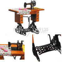 Wholesale 1 Vintage Sewing Machine Toys Miniature House Metal Wooden Table Cloth Thread