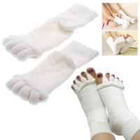 Wholesale Fashion Five Toe Socks Fingers Toe Separator Foot Alignment Pain Relief Massage Socks High Quality for Woman Colors for Choose