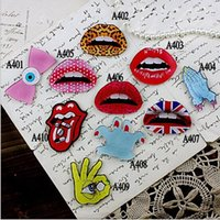 Wholesale Hot Fast Shipping Fashion sexy acrylic red lips brooch pin rhinestone brooch Fit up pins for cloth Z1532
