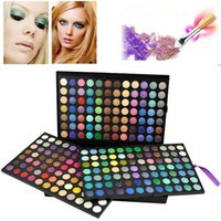 Wholesale Vibrant Superior color Eye Shadow Palettes Suitable for Professional Salon Popular Soft Cosmetic Makeup Kits for Ladies