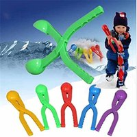 Wholesale 1pc Winter Snow Ball Maker Sand Mold Tool Lightweight Compact Snowball Fight Battle Scoop Tool Clip Toy Sports RD673720