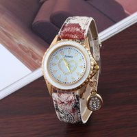 Cheap Fashion Ladies Heart Lady Watch Best Unisex Chronograph Flower Crystal Pendant Watches