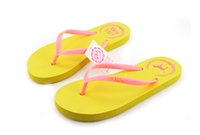 Wholesale PINK Latest Women Brief Casual Sandals Shoes PINK Flat Heel Flip Slippers Comfortable Summer Beach Flip Flops Rubber Sole D792E