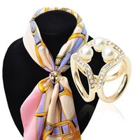 alloy steel fasteners - New Fashion Scarf Fastener Alloy pearl Shape Silk Buckle Shawl Clip Simple Design Golden Silver Buckle For Women