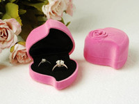 Wholesale Wedding Engagement Valentine s Day Gift Box Pink Velvet Double Ring Box Stud Earring Jewelry Display Storage Foldable Case