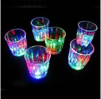 beverages cocktails - Mini LED Flashing Plastic Beverage Wine Cup Bar Parties Club Decorative Mug tk002