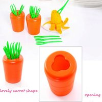 Wholesale Cre ative Lovely Carrot Sharped Fruit Forks Food grade Material Home Convenient Fruit Stick Delicate Table Ware