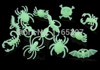 assorted spiders - Glow in the dark skull bat spider rings of assorted pattern plastic halloween party supplies pinata toy cosplay make up
