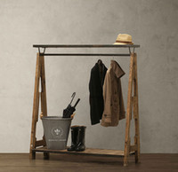 Wholesale American boutique American retro to do the old wrought iron wood floor coat rack clothing rack hangers