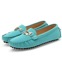 Wholesale New Arrival spring and autumn metal chains decorated shoes woman gommini casual driving shoes female loafer flats