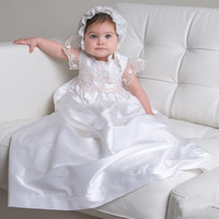 Wholesale Cap Sleeve Baptism Gown white lace Appliques Christening Gowns Floor Length Dress with Bonnet for Baby Girls and Boys AN411