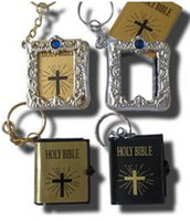 christmas craft supplies - English silver gold frame Christian Gospel key chain Christmas gifts crafts mini bible keychain God day school supplies prizes key ring