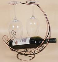 al por mayor vino la artesanía del hierro-Los nuevos artes creativos del sostenedor del vino de la taza del corsé del estante del vino del hierro de 1PC 4Colors y los ornamentos venden A2081