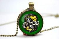 badger necklace - 10pcs Vintage Style Harry Potter Hogwarts Hufflepuff Emblem shield badger crest Symbol glass cabochon dome Pendant Necklace