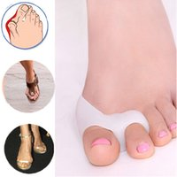 Wholesale 2Pcs Foot Corrector Silicone Gel foot fingers Two Hole Toe Separator Thumb Valgus Protector Bunion adjuster Hallux Valgus Guard
