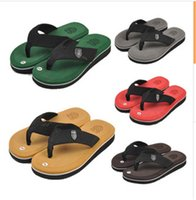 Wholesale Beach Slipper Hot Mens Summer Non slip and Waterproof Slipper Fashion Mens Candy Color and Upset Slipper