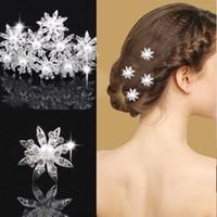 Wholesale Bride Elegant White Flower Pearl Rhinestone Hairpin Wedding Hair Accessories U Style Clamp Sweet All match Luxury Hair Clasp Hair Jewelry