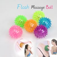 bouncing ball - Flashing Light Up Spikey High Bouncing Balls Novelty Sensory Hedgehog Ball Multi colored LED insaide