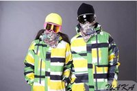 Wholesale IN STOCK GREEN COLOR SNOWBOARDING JACKET FOR MEN S M L XL available HIGH END waterproof and breathable fabric jacket unisex