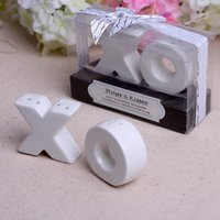 beach wedding souvenirs - wedding giveaways for guest and gift Hugs and Kisses XO Ceramic Salt And Pepper Shaker Beach Party favor Souvenirs set