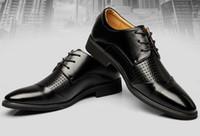 Wholesale NEW popular Men s wedding shoes Mens Cut Outs breathable leather shiny Color matching shoes Unique men Dress shoes
