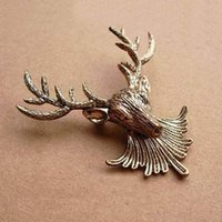 Wholesale Vintage Fashion Classics Bronze Brooch Metal Reindeer Lapel Pin Brooch Stylish
