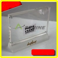 Wholesale 6 quot quot Exquisite High Transparent Rectangle Acrylic Plexiglass Picture Frames With Magnetic and Frost Base PF008