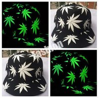 Wholesale Weed Baseball Hat Glow In The Dark Cap Luminous Night Glow Hip hop Rasta Weed Leaf Pot Flat Bill Snapback Baseball Cap pc