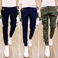 achat en gros de cheville cravate-Mode faisceau de couleur pure multi-poches harem casual pantalon kaki vert pantalons hommes pantalons à la cheville-attaché de base Réduire la mode au Royaume-Uni
