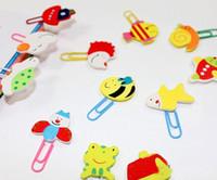 Wholesale F07081 Cartoon Wooden Paper Clip Painted Cute Animals Shape Color Random