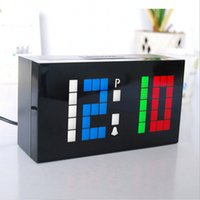 Novelty Alarm Colorful Custom Color personalizado LED Eletrônica Digital Clock DIY relógio de parede e mesa Clocks Para Presente Decor Home
