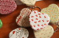Wholesale New Arrival Patterns Heart Shape Iron Tin Storage Boxes Lovely Cartoon Key Chain Candy Pill Jewerly Box pack BJ H2939