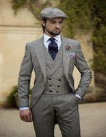 al por mayor vintage suits men wedding-Venta al por mayor 2016-para hombre vintage gris con visera se adapta a los juegos de la solapa de la boda para los hombres prepara el esmoquin para los hombres Un botón traje (chaqueta + pantalones + chaleco + tie)