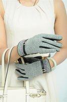 Wholesale Touch Screen Wrist Gloves Fashion Cute New Women Gloves Leather Mittens Pathchwork Wool Autumn Winter Warm