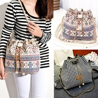 Wholesale New Hot Canvas Bucket Bag Female Casual Shoulder Bag Cross body Women Messenger Bag Day Clutch with chain B0002