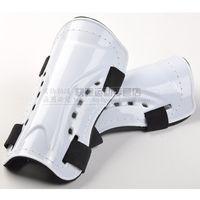 Wholesale leg protector soccer football player shin guard protection leg guard plate legging breathable plastic pad