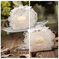 beautiful gift cards - 2016 Top Beautiful Hollow Candy Boxes Bowknot Favor Holders Gift Box Wedding Events Suppliers DIY Chocolate Package Laser Cut Sweety Box